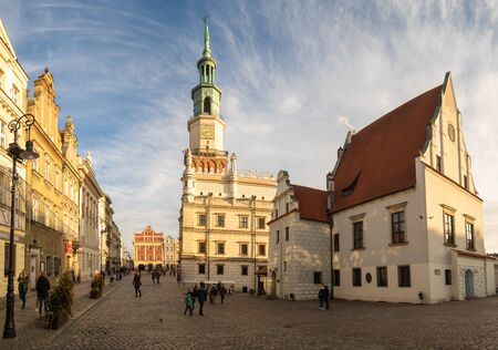 Town Hall on the Main Square in Poznan in Poland Standard-Bild - 141810675