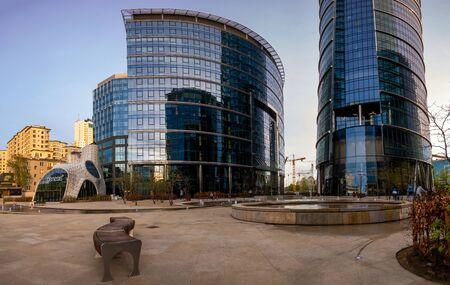 Warsaw Spire office complex at night Standard-Bild - 141810689