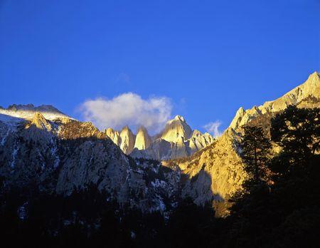 inyo national forest: Mt. Whitney en el bosque nacional de Inyo de California.