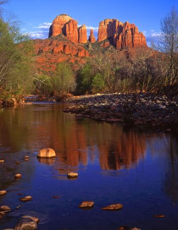 Cathedral Rock and Oak Creek, in the Coconino National Forest, near Sedona, Arizona. Stock Photo - 813380