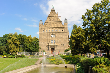 stare miasto: TORUN, POLAND - JULY 7, 2009: Designed by Habicht in Dutch renaissance style for Reichsbank, now the Collegium Maximum building of the Nicolaus Copernicus University which houses the Universitys museum Editorial