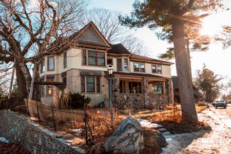 Large house designed by Earl Young in Charlevoix Michigan 新聞圖片