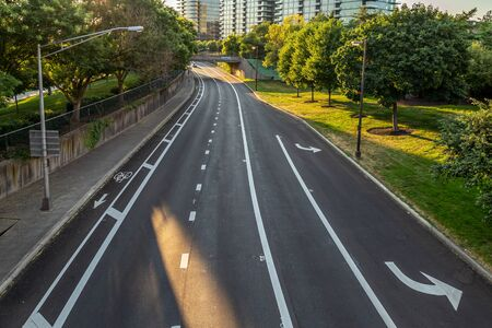 Road Markings and Turning Lanes on a Road Stockfoto