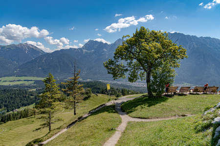 The Hohe Kranzberg is a small mountain in the west of Mittenwald with a height of 1397 m.
