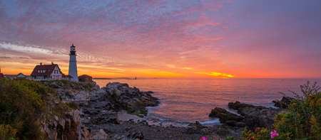 Portland Head Lighthouse sunrise panorama in Maine Фото со стока