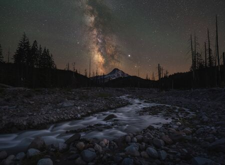 Stream leading towards Mount Hood and the Milky Way Galaxy in Oregon Stock fotó