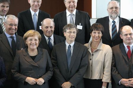 23. Januar 2008 - BERLIN: Microsoft-Gründer Bill Gates, Bundeskanzlerin Angela Merkel, Tessen von Heydebreck und andere bei einem Empfang in der Chanclery in Berlin.