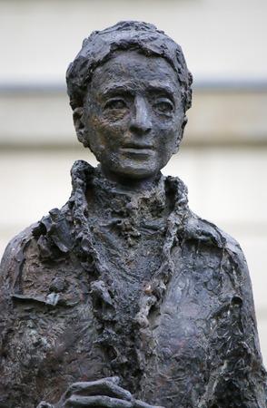 bust: Lise Meitner - bust, Berlin. Editorial