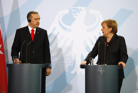 recep tayyip erdogan: Recep Tayyip Erdogan, BKin Angela Merkel -. Meeting of the German Chancellor with the Turkish MP on 8 February 2008, the Federal Chancellery, Berlin-Tiergarten. Editorial