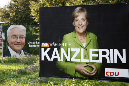 parliamentary: Frank Walter Steinmeier (SPD) and Angela Merkel (CDU) - Election posters for the parliamentary elections in 2009, September 21, 2009, Berlin.