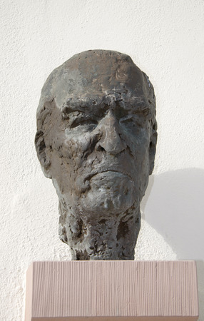 bust: Bust of Carl Zuckmayer front of his birthplace, Nackenheim.