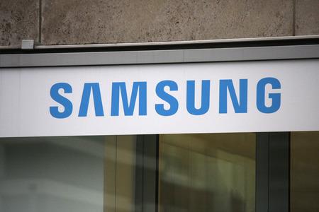 logo samsung: Brand Name:  Samsung , Nov. 2013 Berlin.
