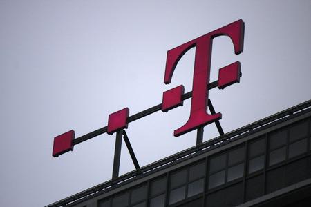 """Markenname: """"Deutsche Telekom"""", November 2013 Berlin. Editorial"""