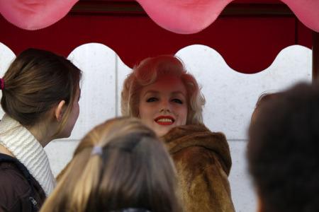 marilyn monroe: Waxfigur: Marilyn Monroe before the waxworks Madame Tussaud , December 2013 in Berlin. Editorial
