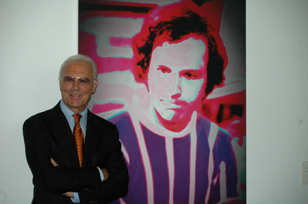 """unveiling: Franz Beckenbauer - unveiling of a portrait of the  """"Emperor """" the swiss Kuenstlerin Annelies Strba in the exhibition  """"Art and Football in the Bundestag """" on 1 June 2006, Marie-Elisabeth Lueders House, Berlin-Mitte."""