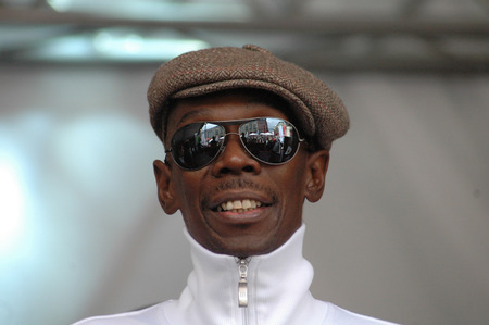 maxi: Maxi Jazz, the singer of the group  Faithless  - event Together for Africa  on 29 May 2006, Hackescher Markt, Berlin-Mitte.