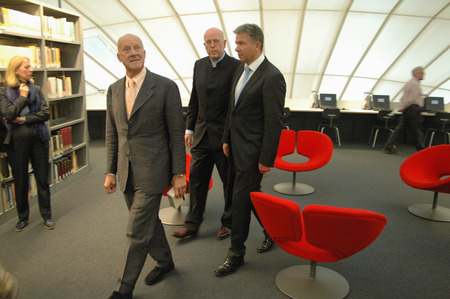 foster: the British star architect Norman Foster, president of the Free University Dieter Lenzen, Klaus Wowereit - ceremonial opening of the Philological Library of the Free University of Berlin (FU) on 14 September 2005, Berlin-Dahlem  - opening of the library