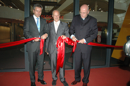 klaus: Klaus Wowereit, the British star architect Norman Foster of the President of the Freie Universitaet Dieter Lenzen - ceremonial opening of the Philological Library of the Free University of Berlin (FU) on 14 September 2005, Berlin-Dahlem  - opening of the