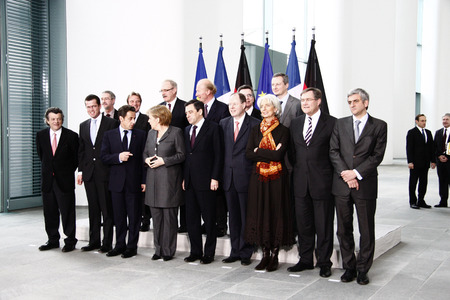 peer: Karl Theodor zu Guttenberg, Bernard Kouchner, Nicolas Sarkozy, Angela Merkel, Peer Steinbrueck, among others - before the meeting of the Franco-German Council of Ministers, the Federal Chancellery  Chanclery, March 12, 2009, Berlin-Tiergarten.
