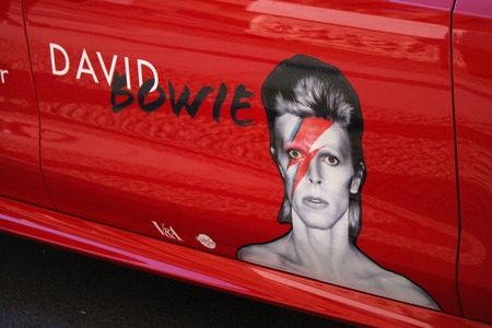 Werbung für David Bowie Ausstellung im Martin-Gropius-Bau Berlin.