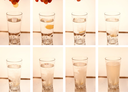 dissolving: ImageCombo: Tablet dissolves in fact a glass of water Symbolbild foods.