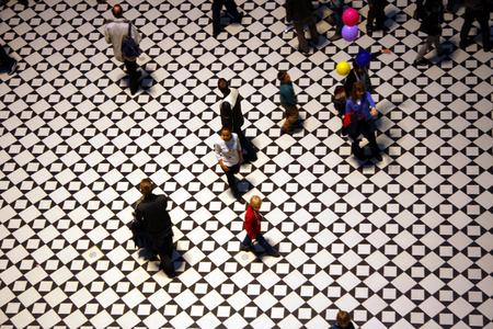 demografia: Imagen simb�lica: la gente Demograf�a atrio de la TU Larga Noche de Ciencia TU Berlin 02 de junio 2012 de Berl�n: Editorial