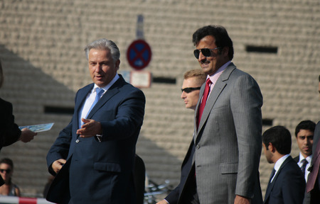 klaus: Klaus Wowereit, the Emir of Qatar, Sheikh Hamad bin Khalifa al Tamir bin Thani - Meeting of the ruling Civic Master with the Emir of Qatar at Pariser Platz, September 17, 2014 Berlin.