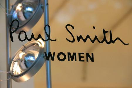 paul: Brand name: Paul Smith Women, Berlin.