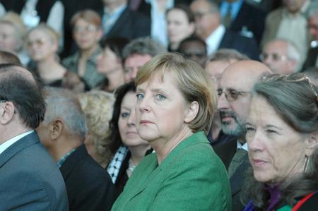 chancellery: BKin Angela Merkel reception for members of the Federal Chancellery PENKongresses May 24 2006 Berlin Tiergarten.