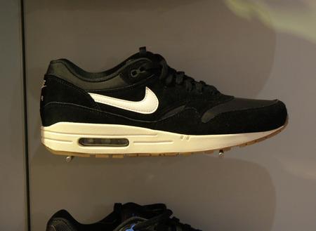 nike: Brand Name: Nike, Berlin.