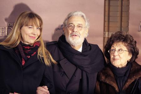 domingo: Marina Prudenskaya, Placido Domingo, Marta Ornelas - premiere of the feature film The Physician, the Zoo Palast, December 16, 2013, Berlin-Tiergarten.
