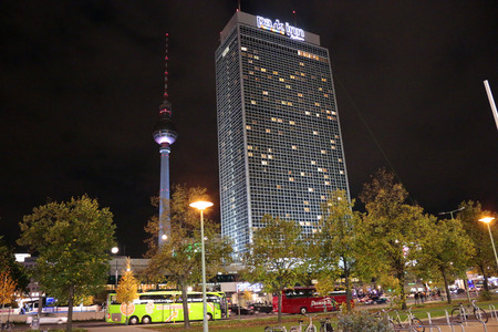 inn: Television Tower, Forum Hotel today: Park Inn, Berlin-Mitte. Editorial