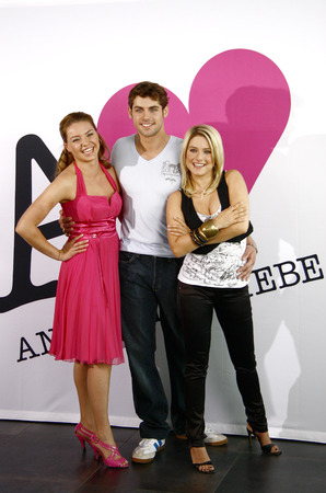 roy: Karolina Lodyga, Roy Peter Link, Jeanette Biedermann - photo opportunity at the launch of the TV series Telenovela Anna and the love SAT1 on 25.8.2008 at 19: 00h, August 18, 2008, Berlin.