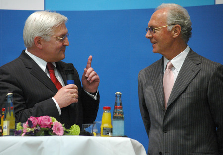 football world cup: Frank Walter Steinmeier, Franz Beckenbauer - meetings of members of the organizing committee for the Football World Cup 2006 with the German foreign minister, Europasaal, Foreign Office, April 5, 2006, Berlin-Mitte.. Editorial