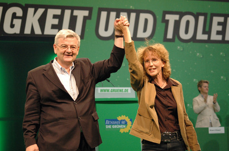 delegates: Joschka Fischer with a green-delegates - Federal Delegates Conference the Green Party congress, July 10, 2005 Velodrome, Berlin-Prenzlauer Berg.