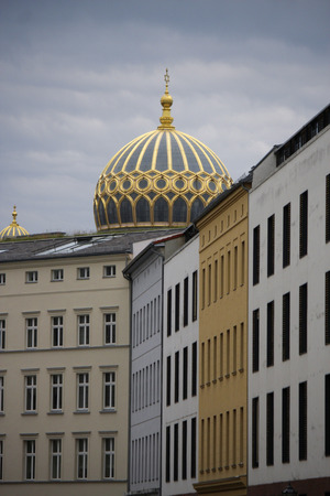 synagogue: Dome of the synagogue, Berlin-Mitte.