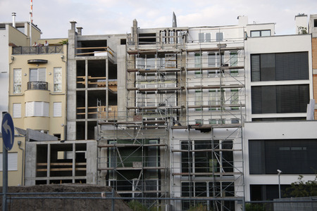 gentrification: Site: expensive APARTMENTS in Berlin: Luxury Townhouses in Berlin-Mitte.