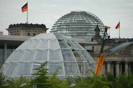 football world cup: the dome of the Reichstag in Berlin and a replica of the same, which is to serve as Bundestagsarena at the time of the Football World Cup in 2006 as an information center for visitors of the Bundestag, 22 May 2006 Berlin-Tiergarten.