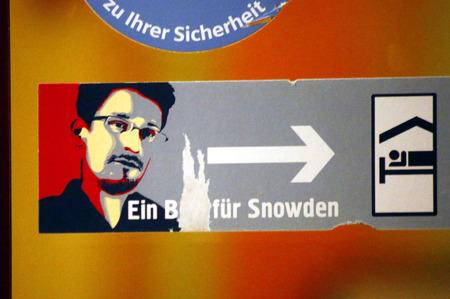 Edward Snowden Aufkleber, Berlin.