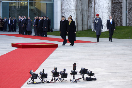 honors: Alexis Tsipras, BKin Angela Merkel - Meeting of German Chancellor with the Greek Prime Minister, reception with military honors, the Federal Chancellery, 23 March 2015, Berlin.. Editorial