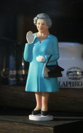 queen elizabeth: Puppe Queen Elizabeth, Berlin. Editorial