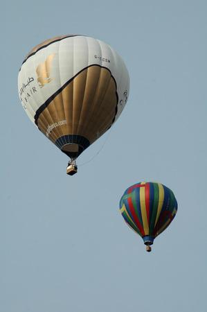 air: Heissluftballons hot air balloon.