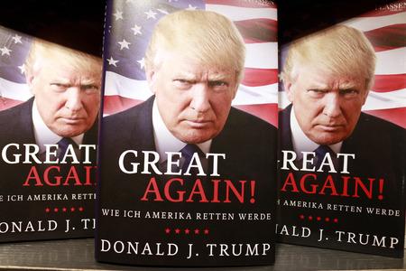 donald: Donald Trump auf einem Buchcover - Symbolbild zum Praesidentschaftswahlkampf in den USA, Berlin. Editorial