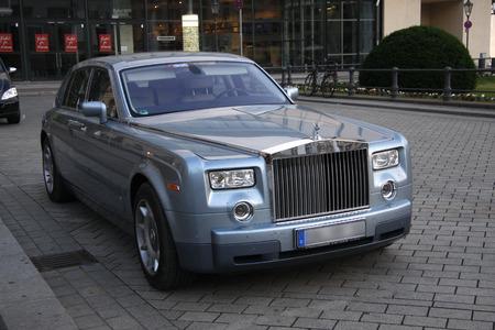 phantom: Rolls Royce Phantom Editorial