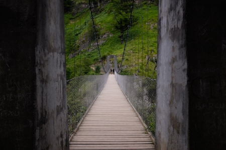 dont walk: This suspension bridget spans across a large canyon in the Pyrenees, France