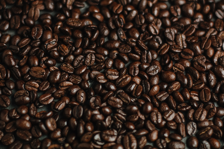 roasted coffee beans, can be used as a background 版權商用圖片 - 95810706