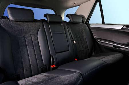 Abteile: Innenraum, Personenverkehr, mit leathet und Wildleder-Sofa