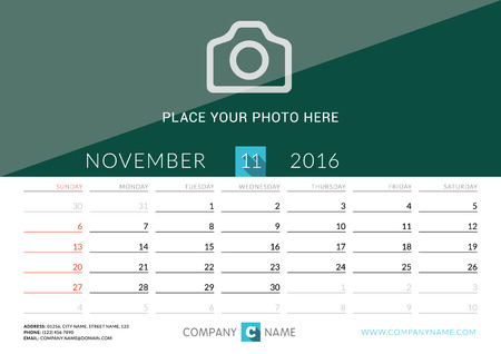calendario da tavolo: Desk Calendar 2016. Vector Print Template. November. Week Starts Sunday Vettoriali
