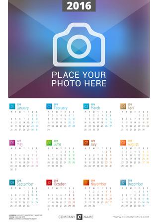 calendario: Calendario cartel de la pared de 2.016 a�os. Dise�o vectorial plantilla de impresi�n con lugar para la foto. La semana comienza Lunes