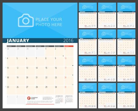 meses del año: Calendario de pared del planificador para el 2016 Año. Diseño vectorial plantilla de impresión con lugar para las fotos y notas. La semana comienza el lunes. 3 Meses de página. Conjunto de 12 Meses Vectores